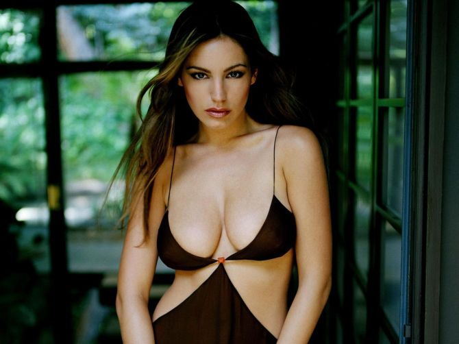 Kelly-kelly-brook-36818688-1600-1200